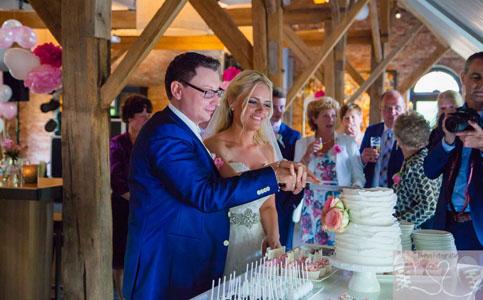 Ruffle Bruidstaart Michelle & Dennis Sugarlips Cakes