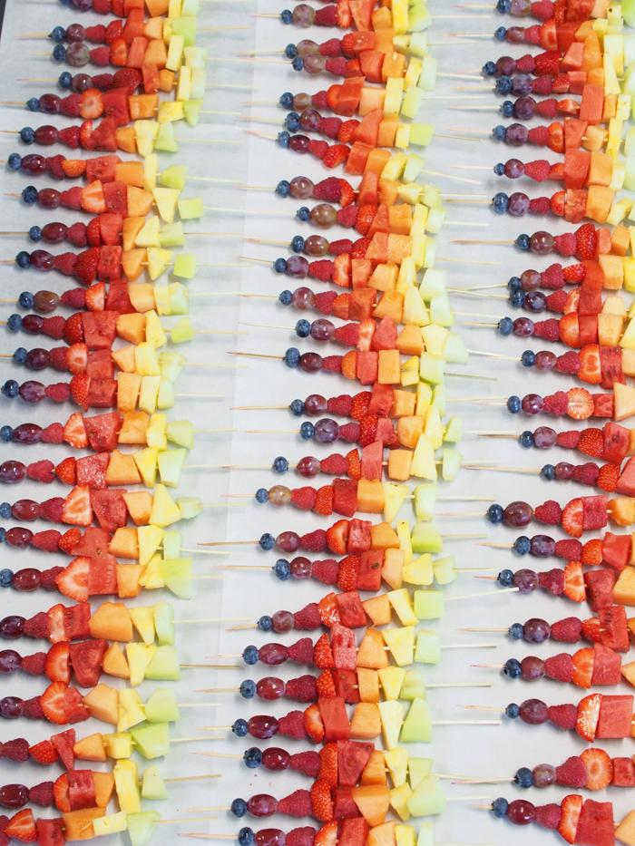 Sweet Catering - Rainbow Skewers